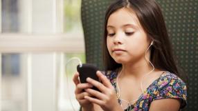 Novo algoritmo sabe detectar quando criança toca no celular