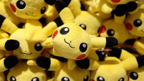 Menina de 6 anos desbloqueia celular da mãe e gasta dinheirão com Pokémon