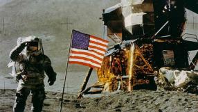Vice-Presidente dos EUA diz que astronautas voltarão à Lua em breve