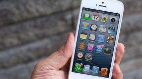 Apple é processada por 'desacelerar' iPhones velhos