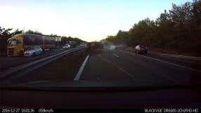 Piloto automático da Tesla funciona e prevê acidente