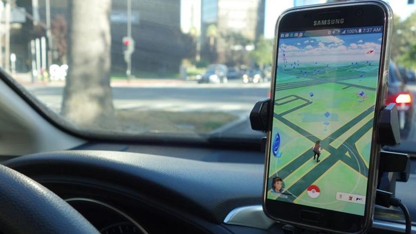 Estudo diz que Pokémon GO é responsável por $7 bilhões em danos de trânsito
