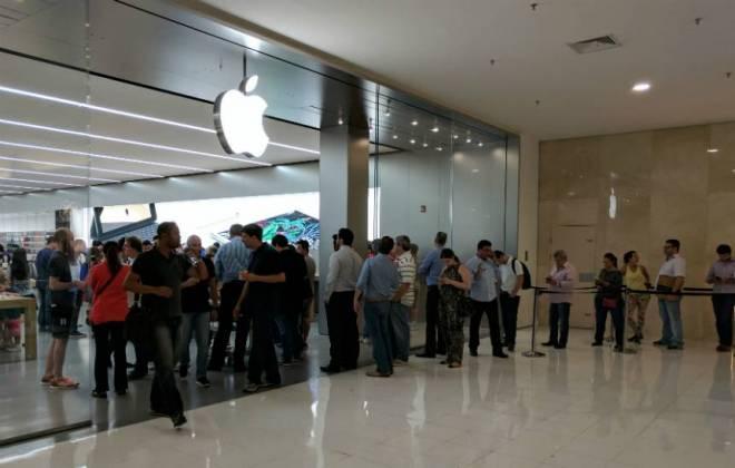 Fila para comprar iPhone 7 já dura uma hora e meia em São Paulo